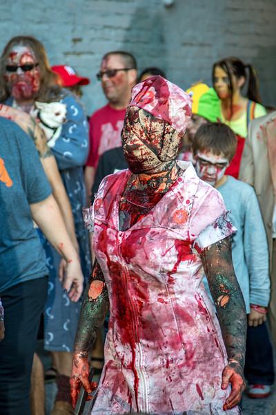2016 omaha zombie walk-31