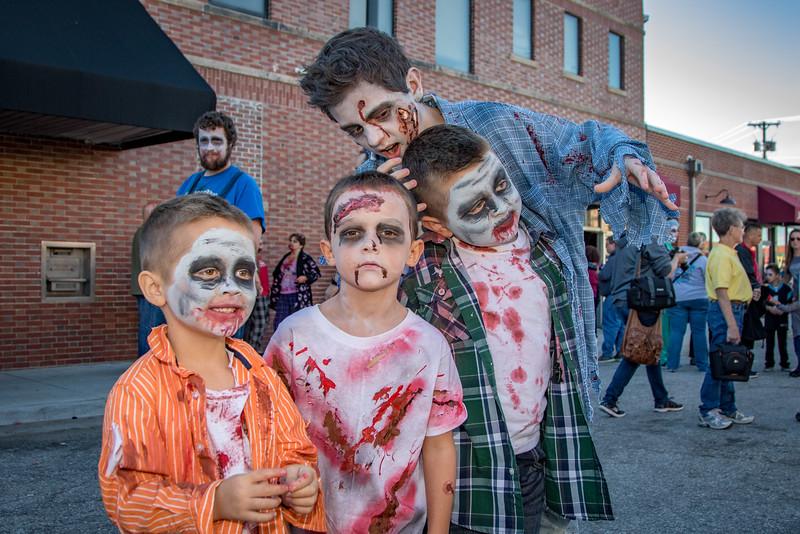 2016 omaha zombie walk-14