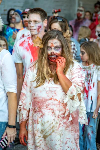 2016 omaha zombie walk-43