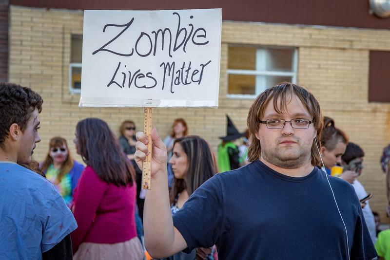 2016 omaha zombie walk-18