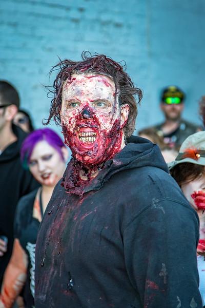 2016 omaha zombie walk-38