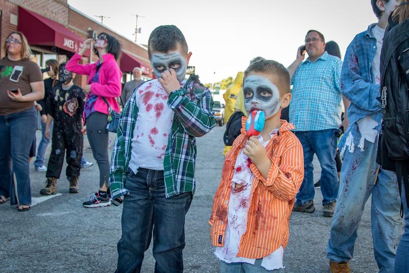 2016 omaha zombie walk-5