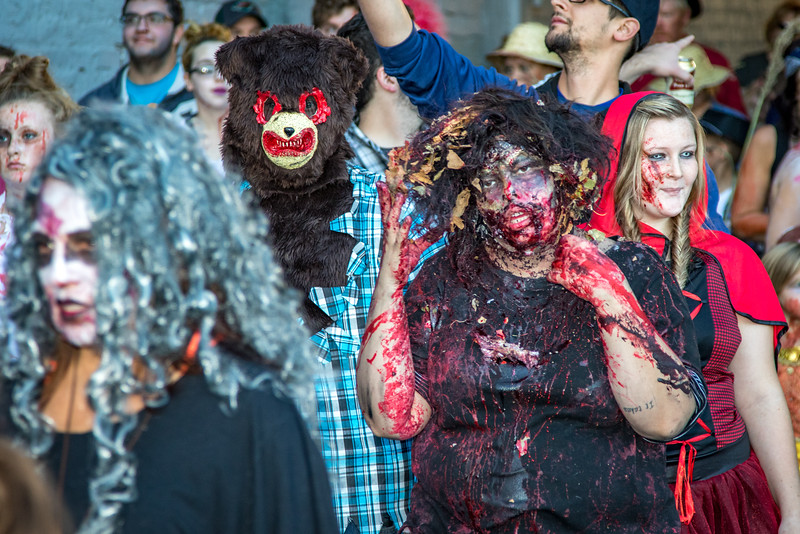 2016 omaha zombie walk-25