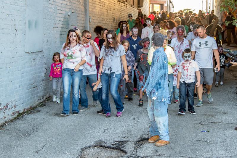 2016 omaha zombie walk-24
