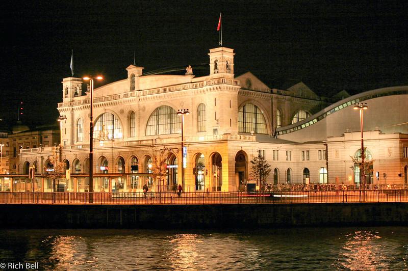 20040930Train Station Zurich Switzerland0555