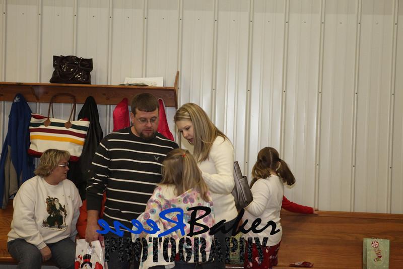 2010 Gift Exchange_0036