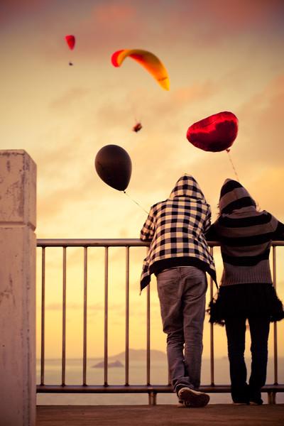 paraglider_romance.jpg