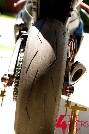 pirelli diablo supercorsa rear tire wear tearing