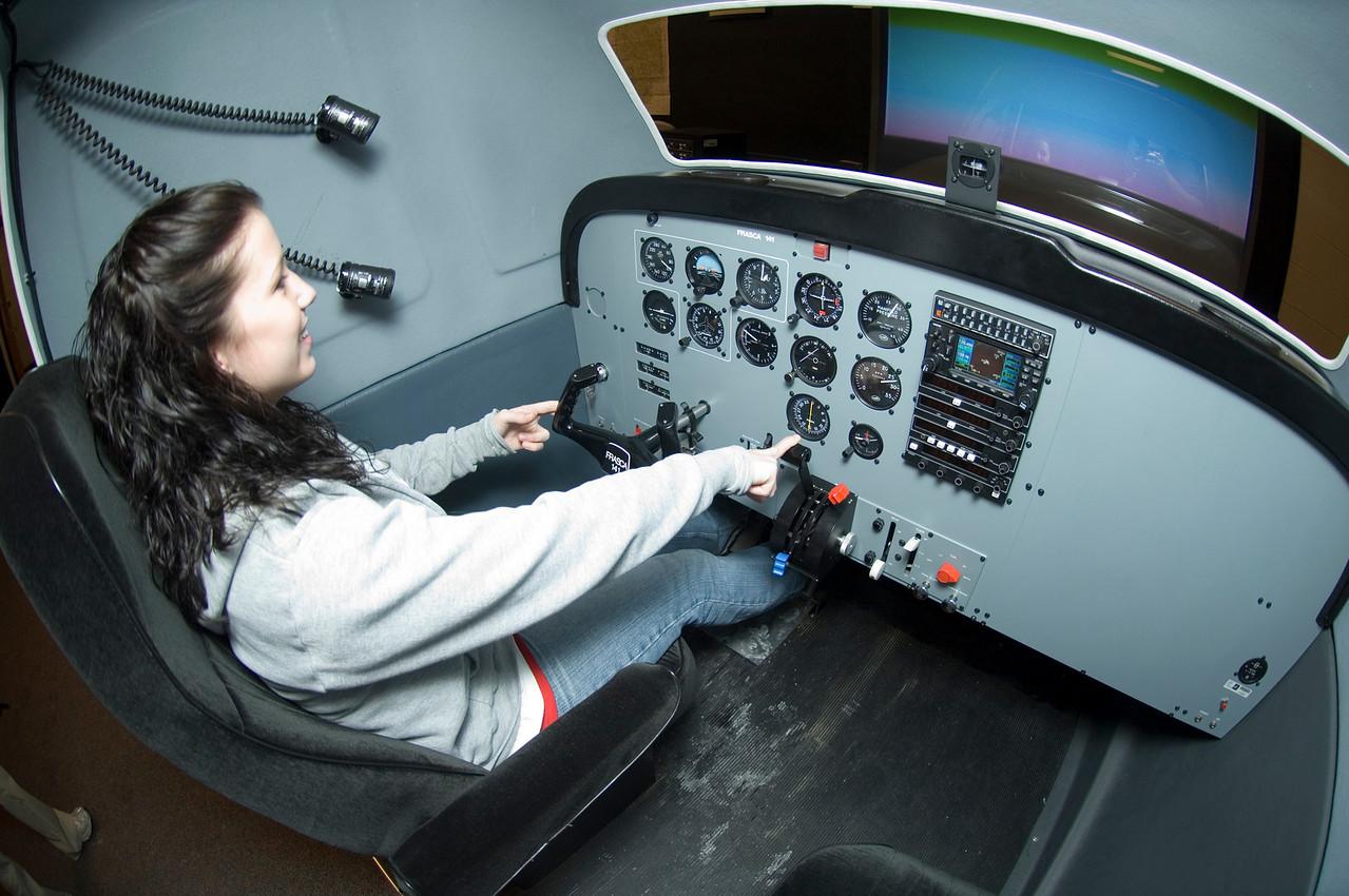 Women_in_aviation_sim_0007
