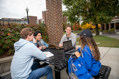 10_25_19_campus_fall (31 of 527)