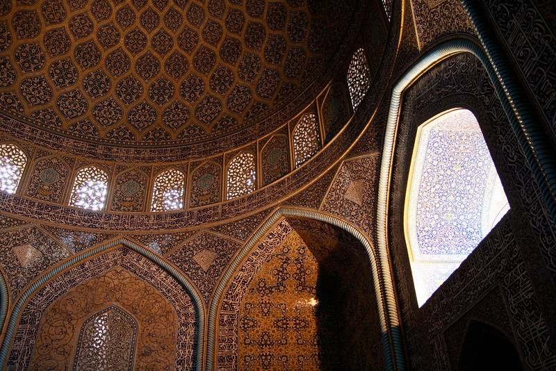 Afternoon light streams through a window in the Sheikh Lotf Allah Mosque, Esfahan