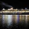 Queen Mary 2 Garden Island b