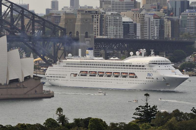 Pacific Dawn Sydney 1st March 2009