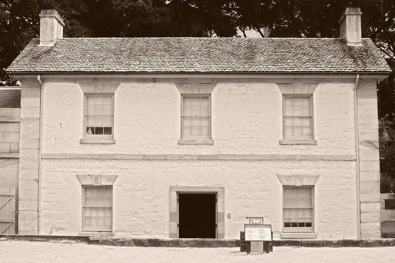 This sandstone structure was built in 1815-16 as the 'Coxswain's Barracks'.