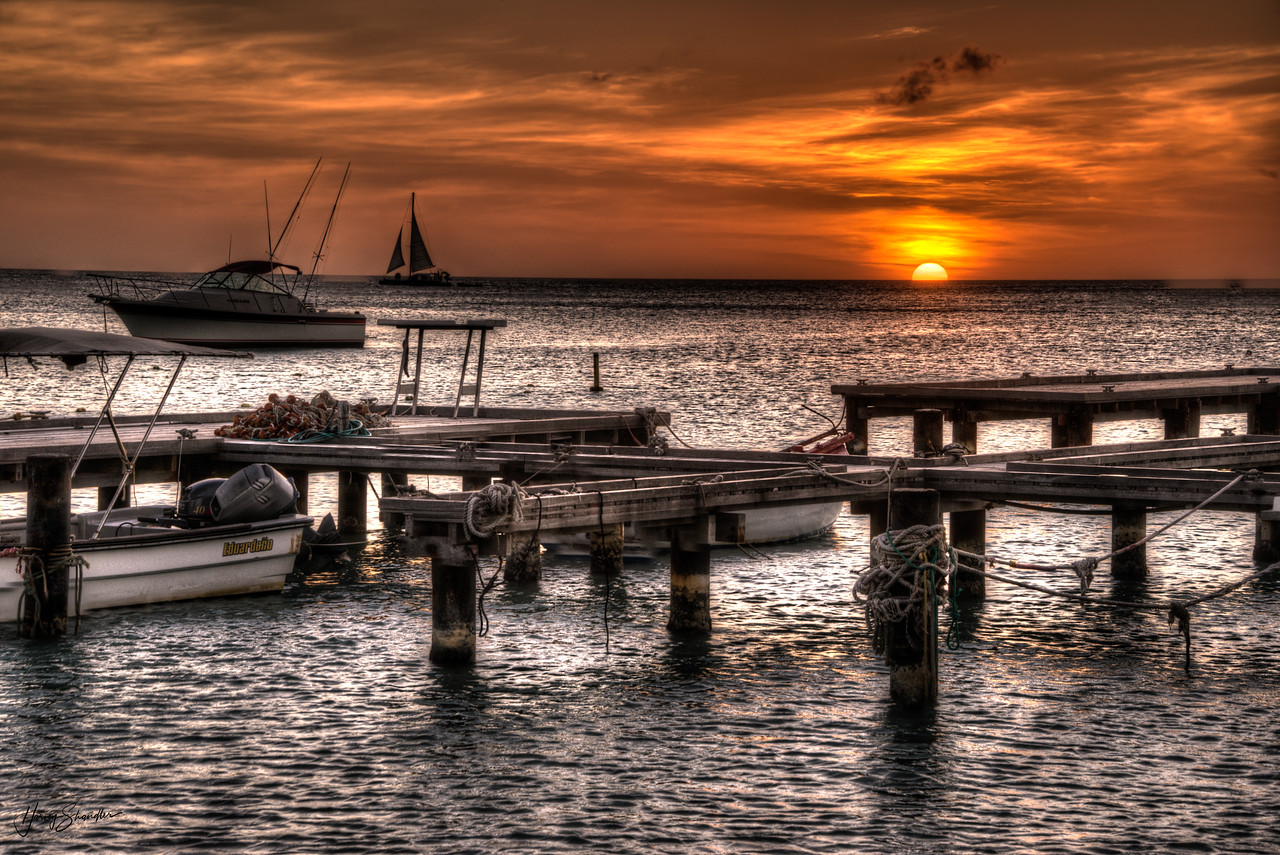 Aruba_Fishing BoatDocks at Sunset