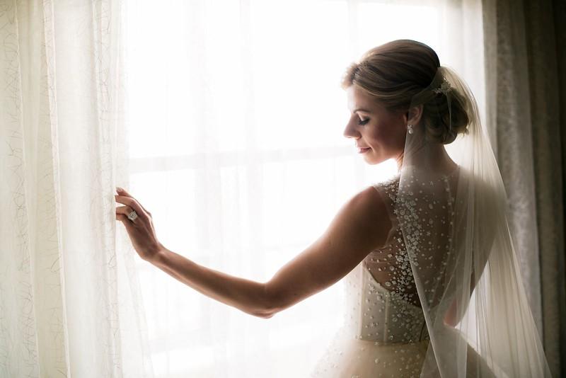 10-bridal-poses-1600x1067