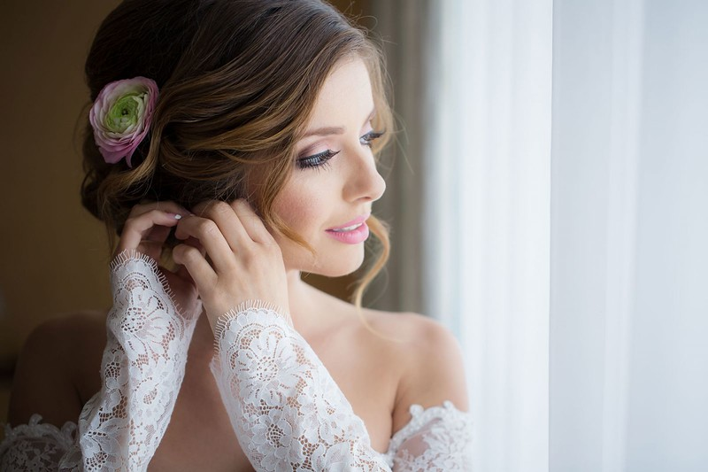 07-bridal-poses-1-1600x1066