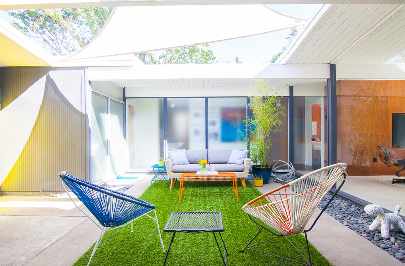 Outdoor Atrium / Courtyard