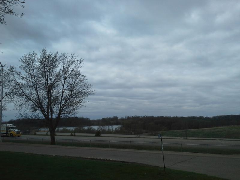 That bit of water is hansel lake