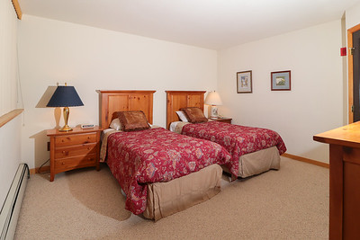 Bedroom 3- two twin beds (or push together), closet, flast screen SmartTV, and full ensuite bathroom.