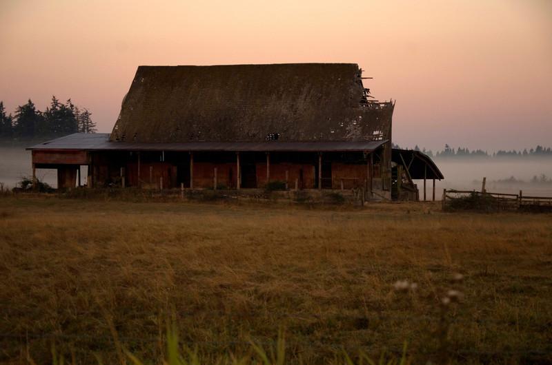 23  G Sunrise Barn