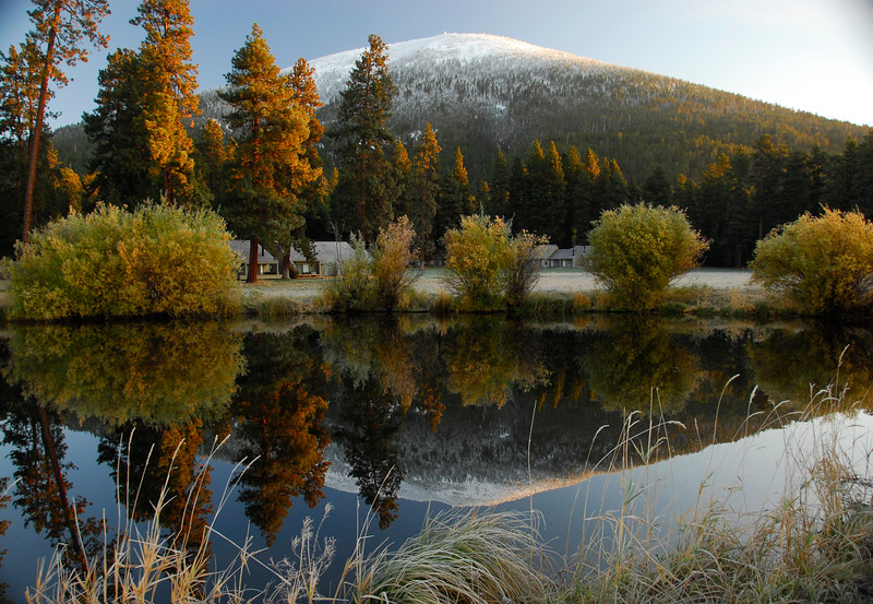 Crisp-fall-morning-reflections-black-butte-KateThomasKeown_DSC5420 copy