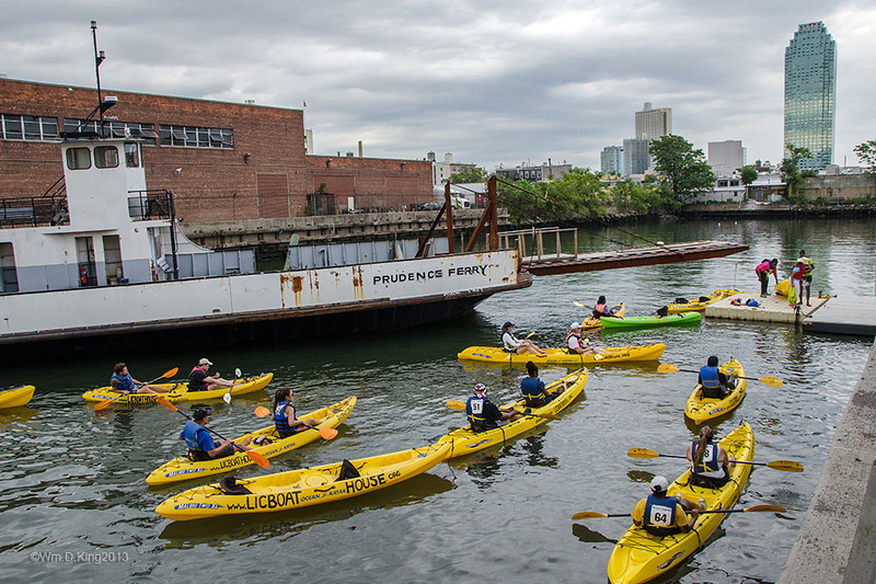 www.licboathouse.org /  Long Island City Boat House members return from canoeing on the East River.