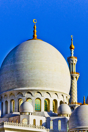 Abu Dhabi, UAE - This striking mosque embellishes the skyline entering the city.