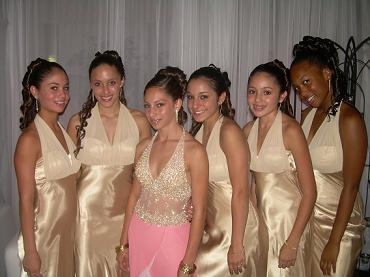 Sasha & her girls! From left Chelsea, Alex, Sasha, Gabby, Sami & Brittany.