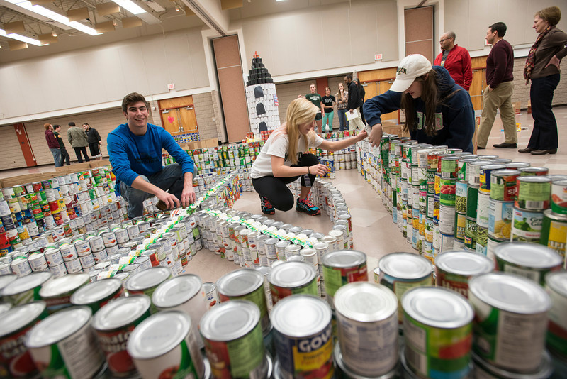 Homecoming canstruction