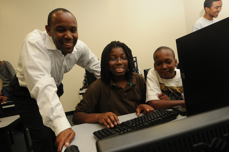 Inner city youth learn computer game design in Kevin Clark's CEHD class