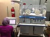 Testing the O2 Analyzer with a neonatal incubator and oxygen tank (Jinotega, Nicaragua). Provided by Sameen Yusuf