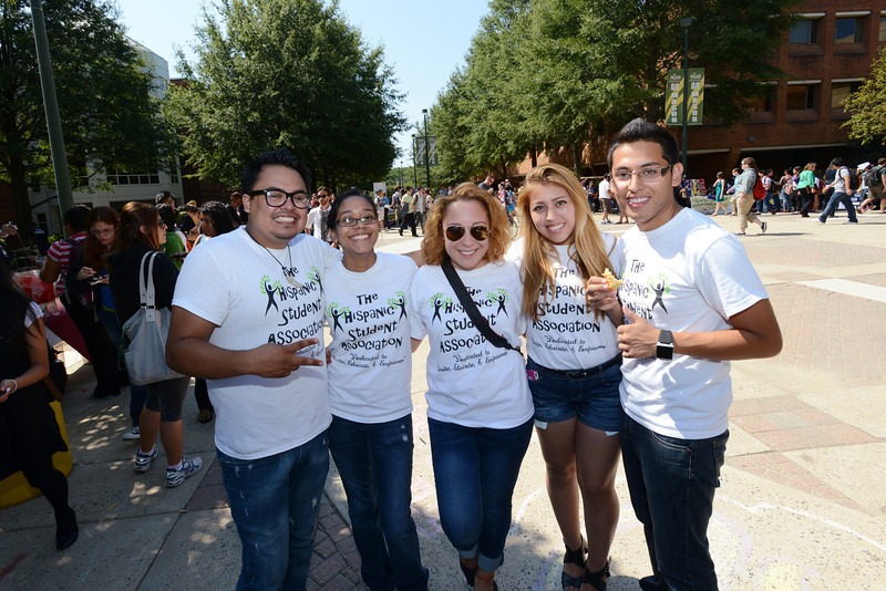 Students celebrate Hispanic Heritage Month kickoff with Hispanic and Latino student organizations. Photo by Evan Cantwell/Creative Services/George Mason University