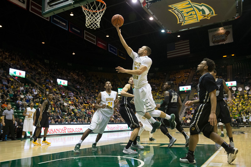 George Mason men's basketball plays host to VCU at the Patriot Center on George Mason University Fairfax Campus. Photo By Craig Bisacre/Creative Services/George Mason University