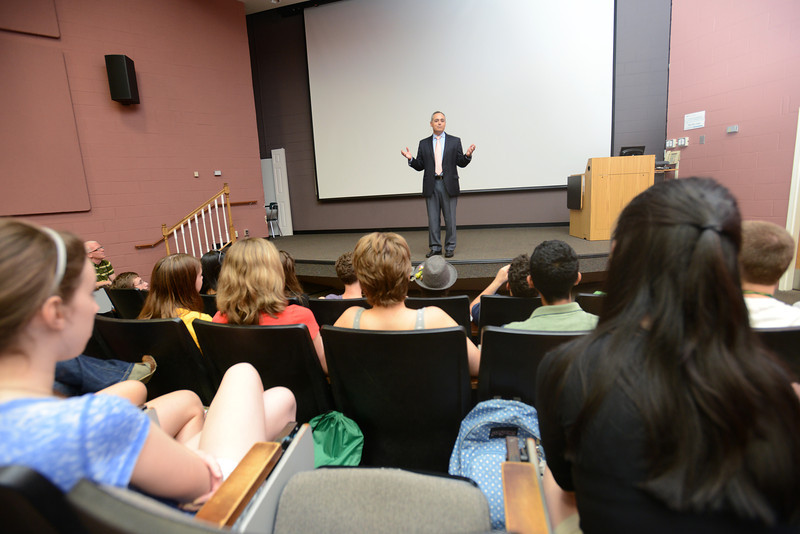 President Cabrera addresses the Forensics Institute.  Photo by Evan Cantwell/Creative Serivces/George Mason University