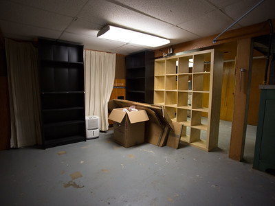 Basement - 01/01/2019 - missing rug, desk and end table.  Boxes left behind