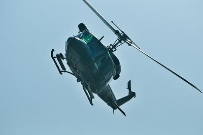 """Olbia, Sardegna, 21.08.2011: elicottero dell'aeronautica militare in azione durante la manifestazione """"Cielo Sardegna 2011"""", in occasione dei festeggiamenti per il 150° anniversario dell'Unita' d'Italia."""