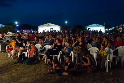 Grande affluenza di pubblico all'oasi Peschiera di San Teodoro per la prima serata del festival.