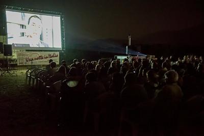 """La proiezione del documentario """"slow Food story"""" durante la prima serata del festival."""