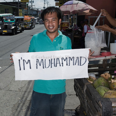 MUHAMMAD ABDUL MUBDI -BORN IN MINDANAO 1976, WORKING AS VENDOR<br />