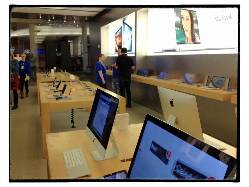 Apple Store April 6, 2013