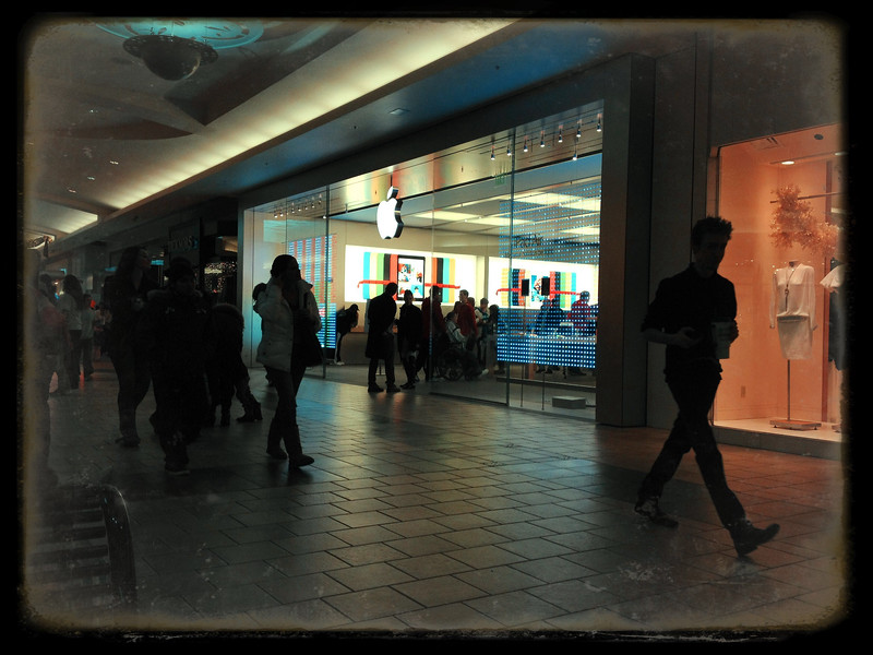 Apple Store Summit Mall