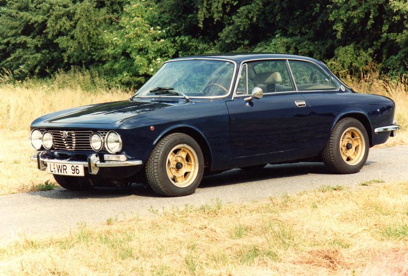 so 1992-1994: Alfa Romeo 2000 GTV, der erste Oldie-versuch... leider auch ´n Blender....