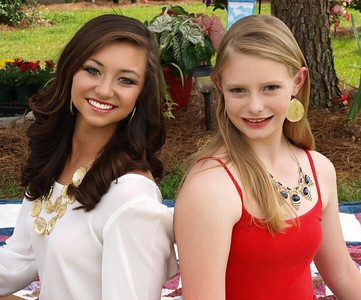 Hannah and Taylor 163_pp