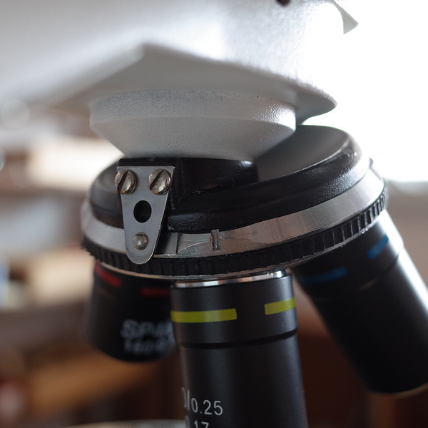 microscope_objective_nosepiece_turret_click_stop_groove