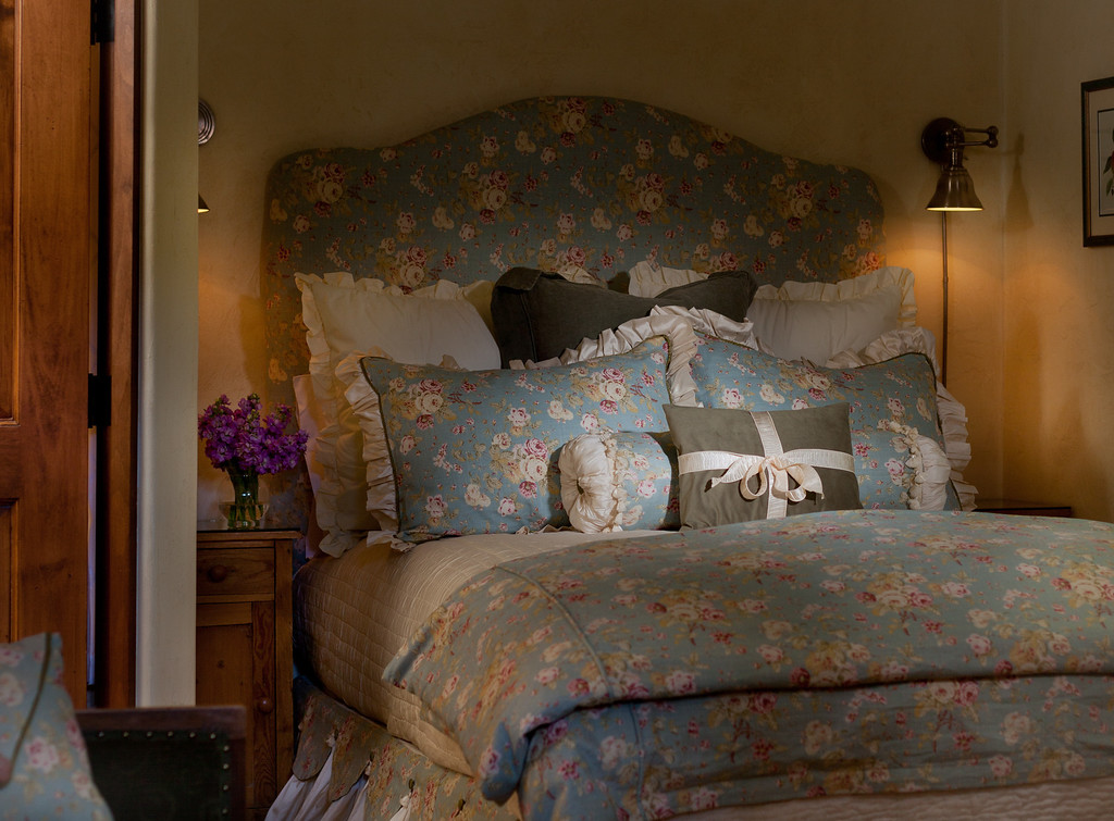 OMI Rooms Chawton 02 XL Dream Beds: Our Top 10 for Style and Drama