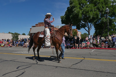 1906008_RodeoParade-3960491