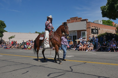 1906008_RodeoParade-3960490