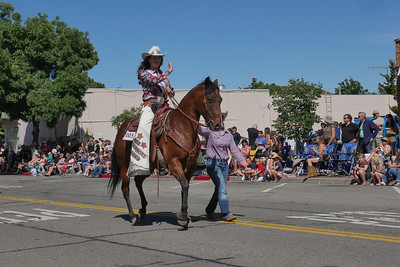 1906008_RodeoParade-3960489