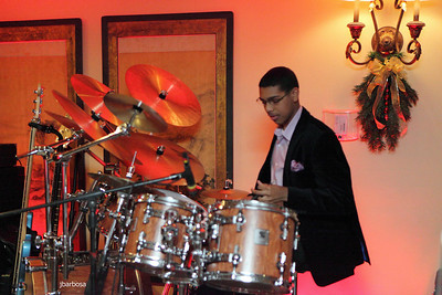 Arti Dixson Holiday Party-jlb-12-19-10-5199w